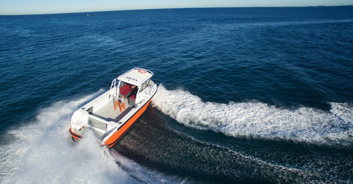 8M Lines Boat